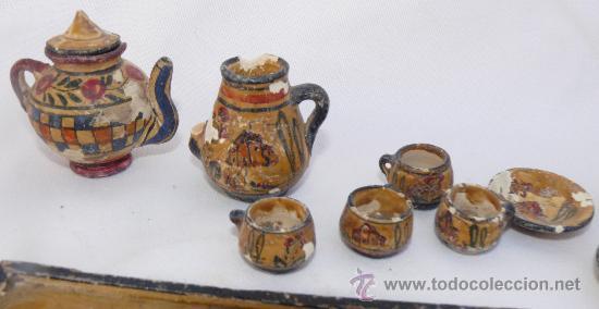 Antigüedades: JUEGO MUY ANTIGUO JUEGO CAFE Y BANDEJA MADERA EN BARRO CERAMICA MANISES MINIATURA PINTADO A MANO - Foto 3 - 39043081