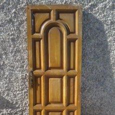 Antigüedades: ANTIGUAS PUERTAS DE PINO CON CUARTERONES. Lote 53517293