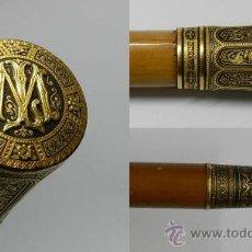 Antigüedades: ANTIGUO BASTON CON EMPUÑADURA DE ORO CON EXQUISITA LABOR DE DAMASQUINADO DE EIBAR SIGLO XIX, AUTENTI. Lote 39831262