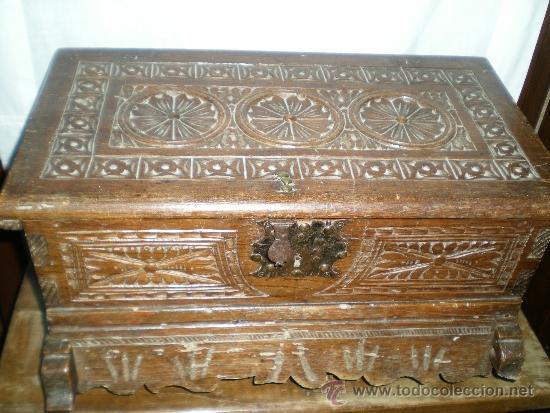 AQUETA ESTILO MUDEJAR (Antigüedades - Muebles Antiguos - Baúles Antiguos)