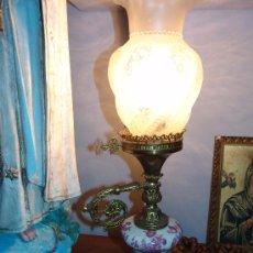 Antigüedades: MUY FINO QUINQUÉ DE PORCELANA,BRONCE Y CRISTAL. Lote 39215752