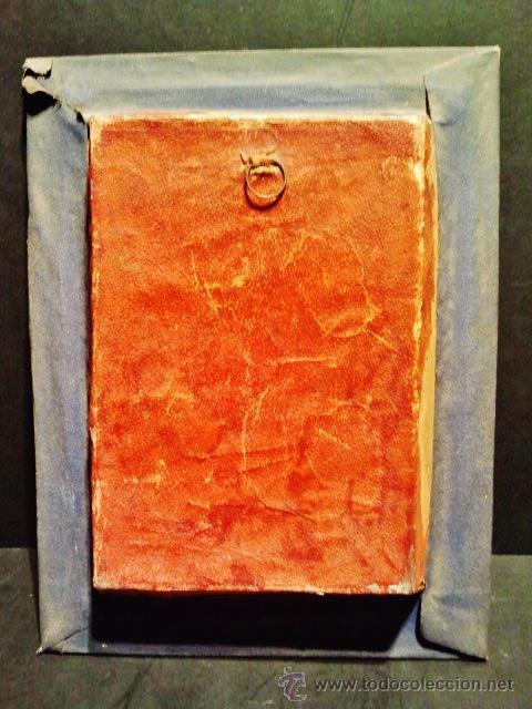 Antigüedades: Bonito expositor-relicario de cristal, tela, flores secas y reliquia interior. - Foto 3 - 39253261