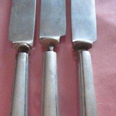 Antigüedades: CUCHILLOS ANTIGUOS CON MANGO DE PLATA. Lote 39254009