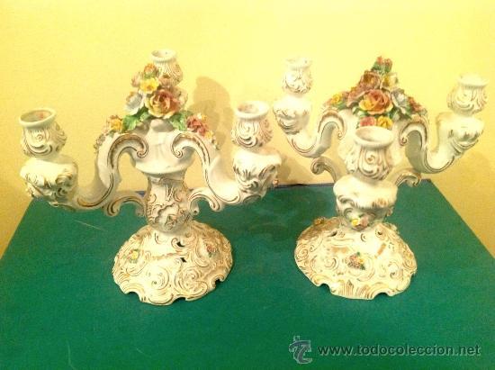 DOS CANDELABROS DE PORCELANA ANTIGUOS (Antigüedades - Porcelanas y Cerámicas - Otras)