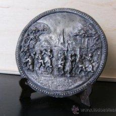 Antigüedades: MEDALLON O APLIQUE DE COBRE CON BAÑO DE PLATA. Lote 39600512