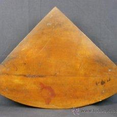 Antigüedades: REPISA ESTANTERÍA ESQUINERA MADERA NOGAL TEÑIDA NEGRO CHAPADO FINALES XVIII PPIOS XIX. Lote 39275183