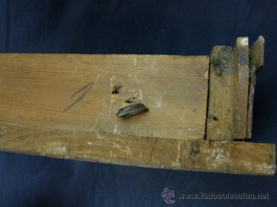 Antigüedades: REPISA ESTANTERÍA ESQUINERA MADERA NOGAL TEÑIDA NEGRO CHAPADO FINALES XVIII PPIOS XIX - Foto 7 - 39275183