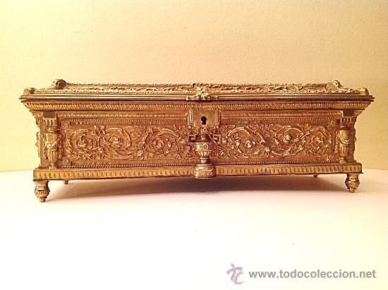 Antigüedades: Caja joyero en bronce dorado pieza de colección - Foto 2 - 39292903