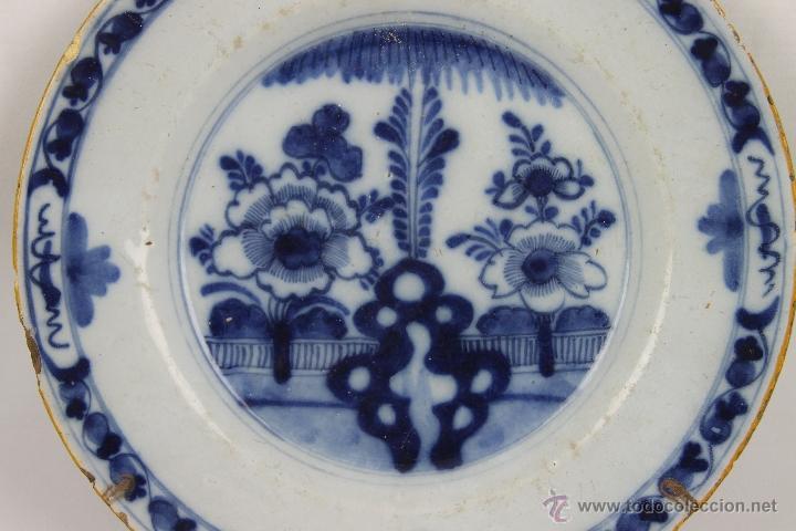 Antigüedades: CONJUNTO DE 4 PLATOS DELFT EN PORCELANA POLICROMADA S. XVIII. - Foto 3 - 41518099