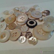 Antigüedades - BOTONES DE NACAR MAS DE 30. - 39308642