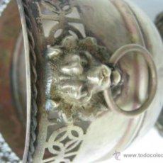 Antigüedades: ANTIGUA JARDINERA LATON CALADO Y BRONCE LEONES PATAS GARRA. Lote 39316663