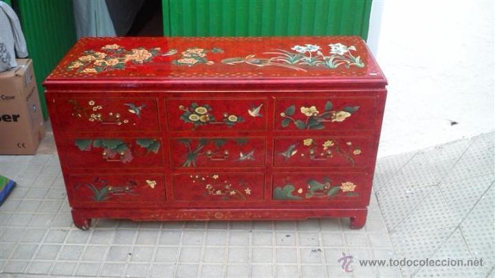 Aparador lacado oriental pintado a mano en rojo comprar - Muebles orientales segunda mano ...