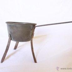 Antigüedades: CAZO CON TRES PATAS. Lote 39366863