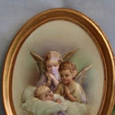 Antigüedades: ANTIGUO CUADRO DE ANGELITOS EN RELIEVE. Lote 39385992