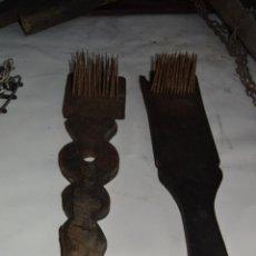 Antigüedades: PAREJA DE RESTRELOS DE LINO. Lote 39403851