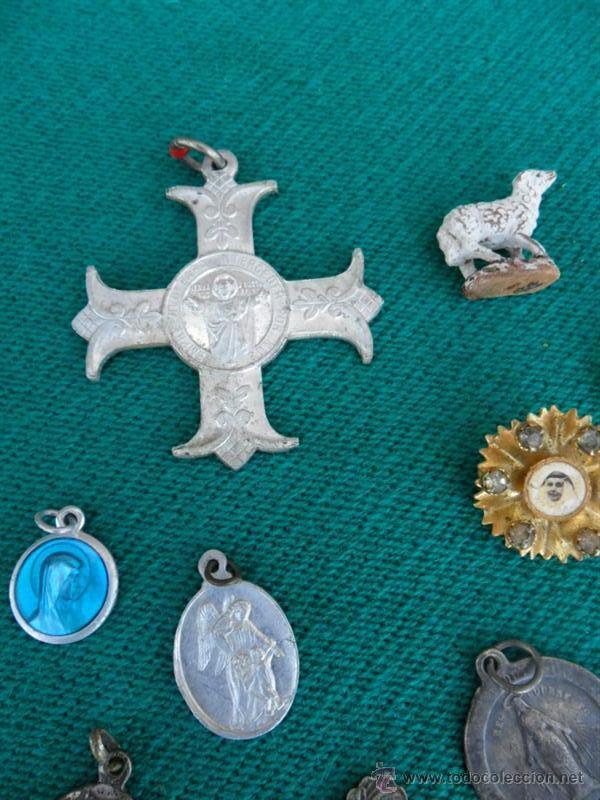 Antigüedades: 22 medallas religiosas - Foto 3 - 39405601