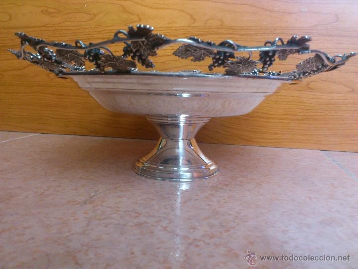 Antigüedades: Centro de mesa antiguo en plata de ley contrastada, hecho a mano con motivos vinícolas, 470 GRAMOS - Foto 2 - 39422865