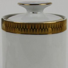 Antigüedades: TARRO EN PORCELANA FRANCESA DE LIMOGES - MEDIANOS DEL S.XX - SELLADO EN LA BASE. Lote 152444001