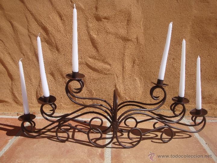 ANTIGUO CANDELABRO DE HIERRO (Antigüedades - Iluminación - Candelabros Antiguos)