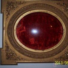Antigüedades: EXTRAORDINARIO MARCO CON CRISTAL OVALADO FINALES DEL XVIII. Lote 39451856
