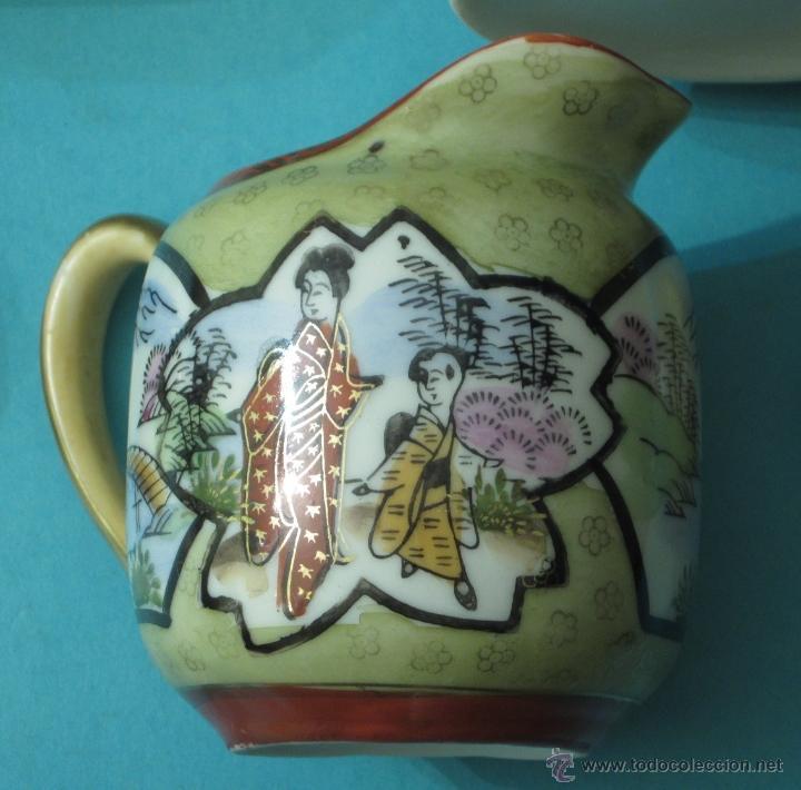 Antigüedades: TETERA, LECHERA, AZUCARERO, PLATO Y TAZA DE PORCELANA. IMAGEN EN BASE. ALTURA TETERA 18 CM - Foto 4 - 39472727