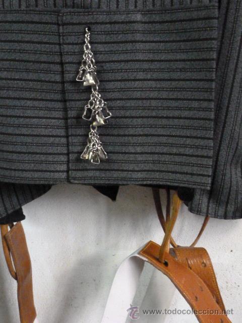 Antigüedades: Traje corto de Moises Sancha, chaquetilla y pantalon con caireles y tirantes. - Foto 2 - 96907560