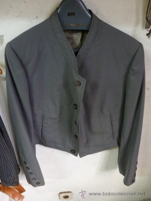Antigüedades: Traje corto de Moises Sancha, chaquetilla y pantalon con caireles y tirantes. - Foto 3 - 96907560