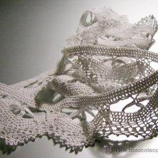 Antigüedades: ANTIGUA PUNTILLA DE GANCHILLO-CROCHET. CIRCULAR - COLOR BLANCO --- DESARROLLO: 100CM - ANCHO 4,5CM. Lote 39460559