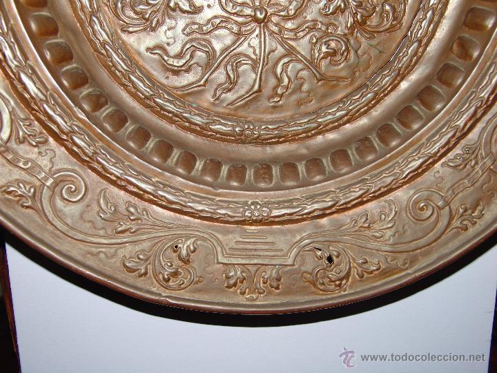 Antigüedades: PRECIOSO PLATO ANTIGUO DE COBRE REPUJADO - Foto 4 - 39469835