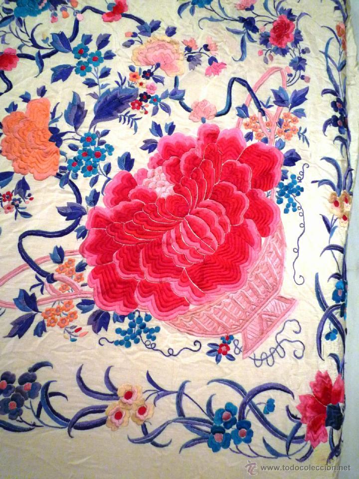 Antigüedades: Magnifico manton de Manila Bordado a mano antiguo - Foto 2 - 39496186