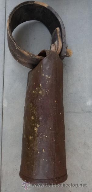 Antigüedades: ENORME CENCERRO CON COLLAR DE MADERA - Foto 2 - 39528662