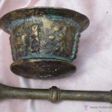 Antigüedades: ALMIREZ Y MANO MUY ANTIGUOS EN BRONCE.. Lote 39678639