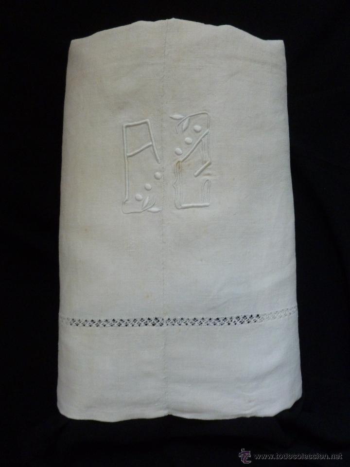 Antigüedades: ANTIGUA SÁBANA DE LINO CON COSTURA CENTRAL INICIALES A.C. S. XIX - Foto 2 - 127750339