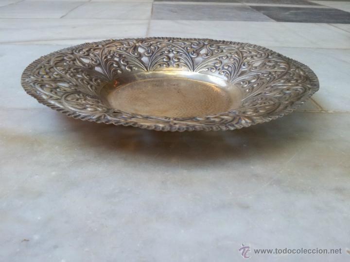 Antigüedades: Antiguo centro de mesa en metal plateado - Foto 2 - 43798850