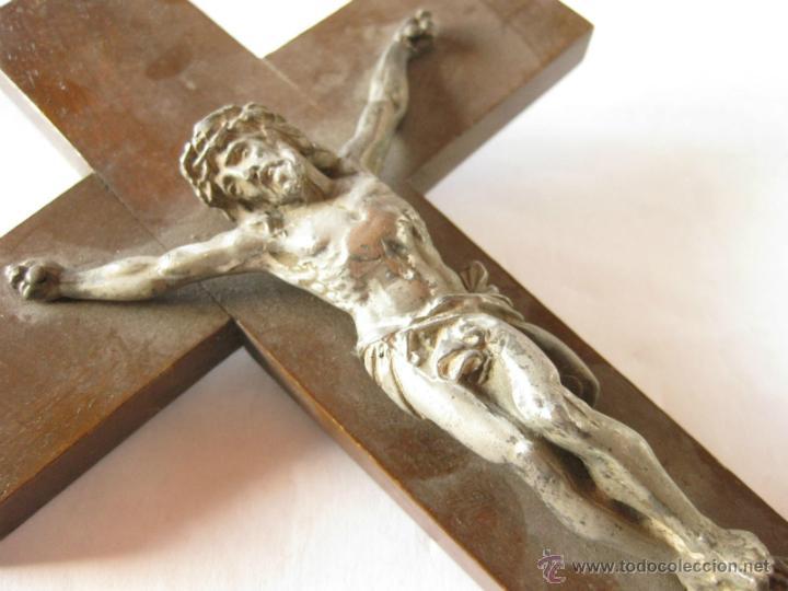 Antigüedades: Crucifijo en madera y estaño o plomo. - Foto 3 - 39635106