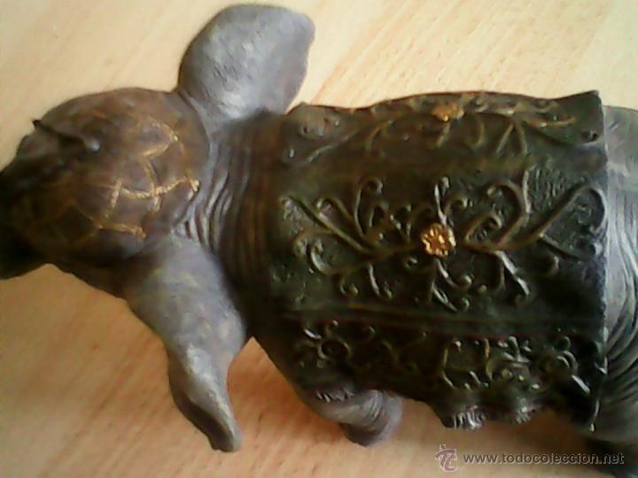 Antigüedades: EXPLENDIDO ELEFANTE CREIO DE RESINA COLMILLOS.ES UNA PIEZA QUE SE MIRA MUY POCAS - Foto 7 - 39638941