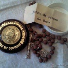 Antigüedades: ROSARIO DE PÉTALOS DE ROSA CON SU CAJA HECHO POR LOS HERMANOS CARTUJANOS. Lote 39653852
