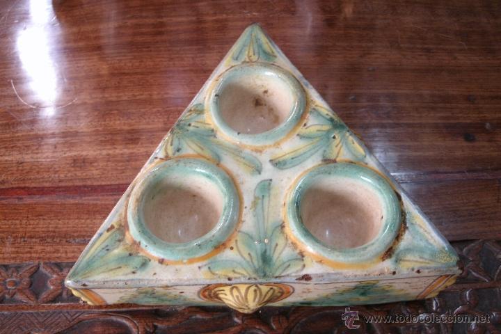 ANTIGUO ESPECIERO TRICOLOR DEL SIGLO XVIII ORIGINAL DE PORCELANA DE PUENTE DEL ARZOBISPO (Antigüedades - Porcelanas y Cerámicas - Puente del Arzobispo )