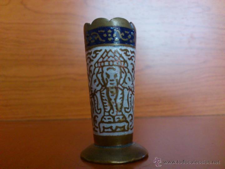 Antigüedades: Juego antiguo tailandes en bronce de palillero, salero, pimentero y bandejita esmaltados - Foto 11 - 39725428