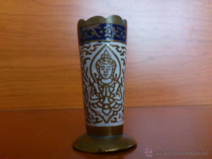 Antigüedades: Juego antiguo tailandes en bronce de palillero, salero, pimentero y bandejita esmaltados - Foto 12 - 39725428