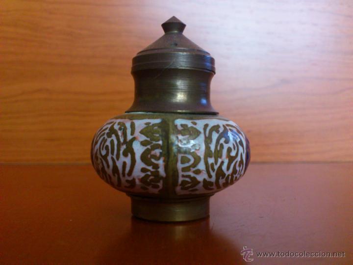 Antigüedades: Juego antiguo tailandes en bronce de palillero, salero, pimentero y bandejita esmaltados - Foto 13 - 39725428
