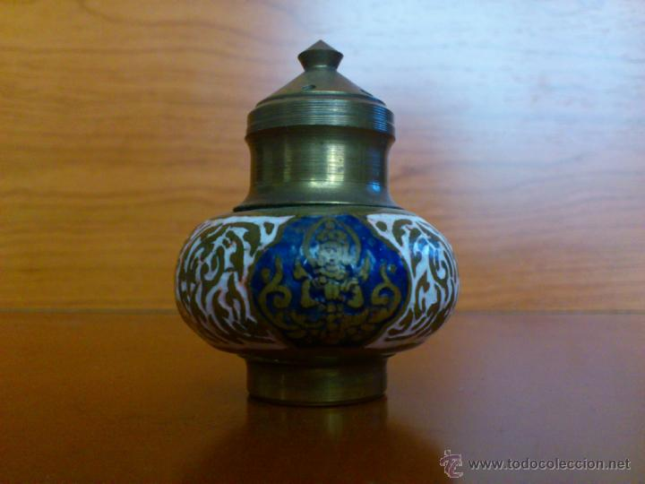 Antigüedades: Juego antiguo tailandes en bronce de palillero, salero, pimentero y bandejita esmaltados - Foto 15 - 39725428