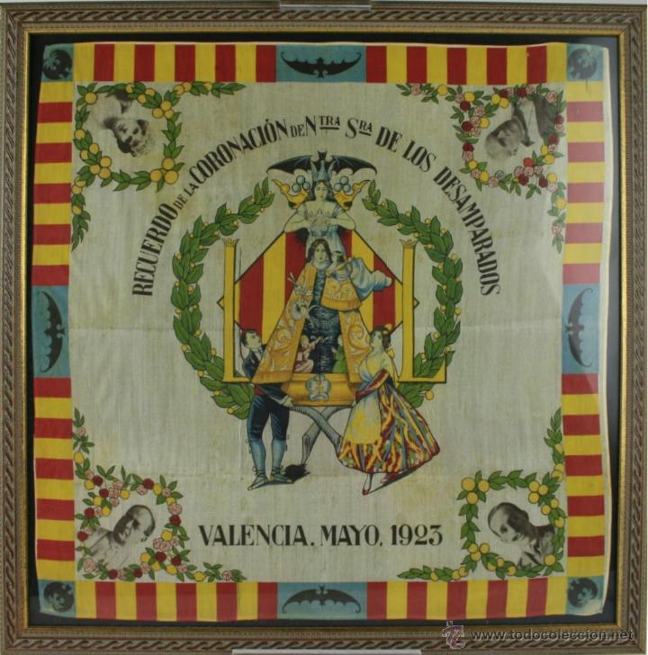 K1-008.PAÑUELO EN SEDA. RECUERDO DE LA CORONACION DE NTRA. SRA. DE LOS DESAMPARADOS. VALENCIA 1923. (Antigüedades - Moda - Pañuelos Antiguos)