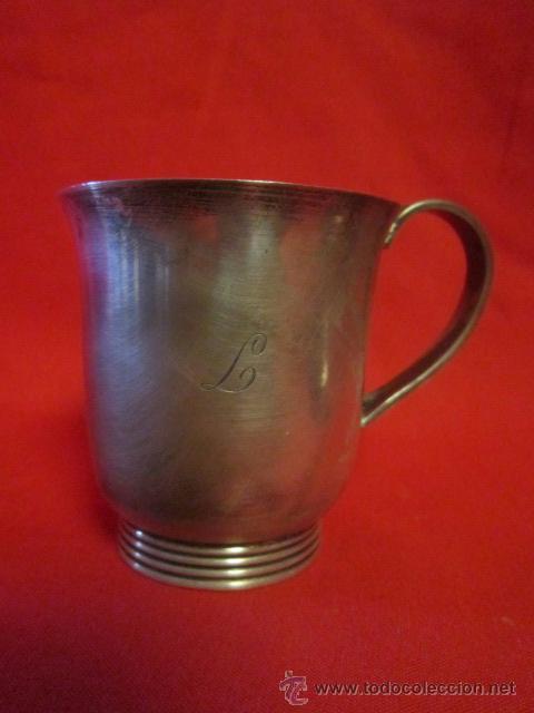 PRECIOSA TAZA EN PLATA CON LA INICIAL L. (Antigüedades - Platería - Plata de Ley Antigua)