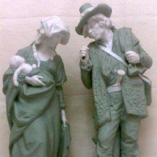 Antigüedades: ESPLÈNDIDA PAREJA DE ESCULTURAS EN PORCELANA EUROPEA... Lote 33301009
