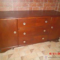 Antigüedades: APARADOR ANTIGUO DE MADERA. Lote 39864300