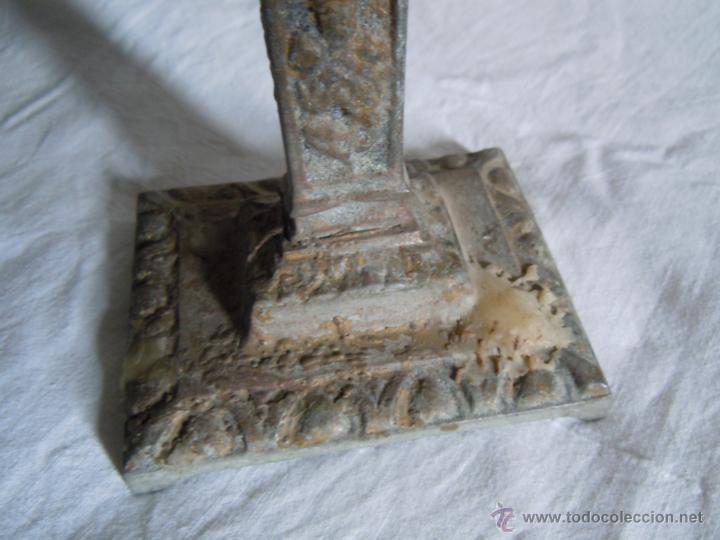 Antigüedades: CANDELABRO DE METAL DE FINALES DEL XIX - Foto 2 - 39901672