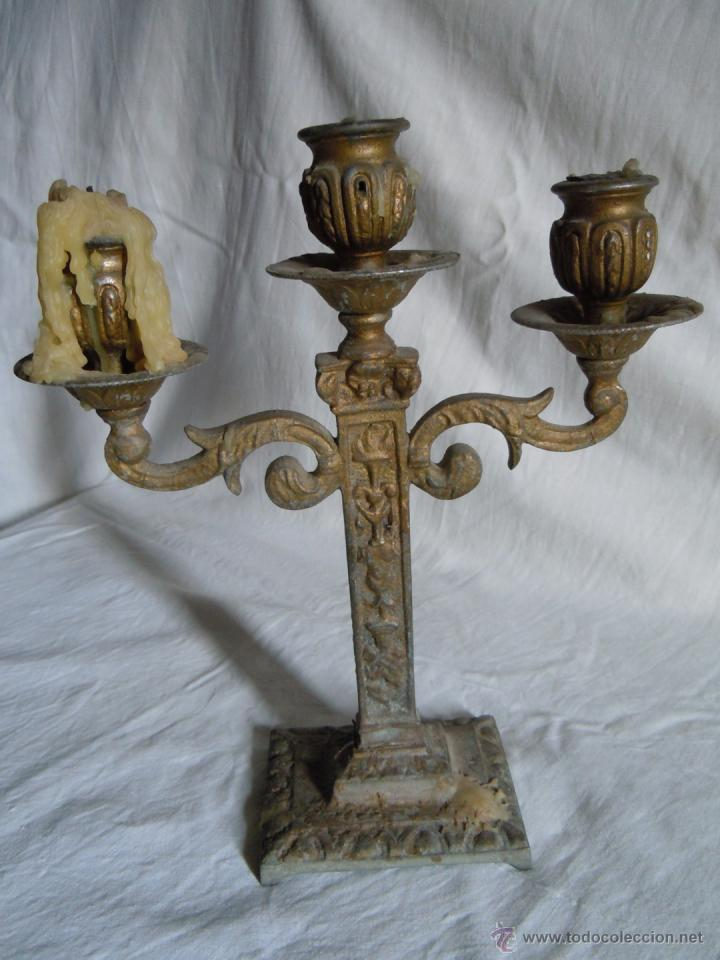 Antigüedades: CANDELABRO DE METAL DE FINALES DEL XIX - Foto 4 - 39901672