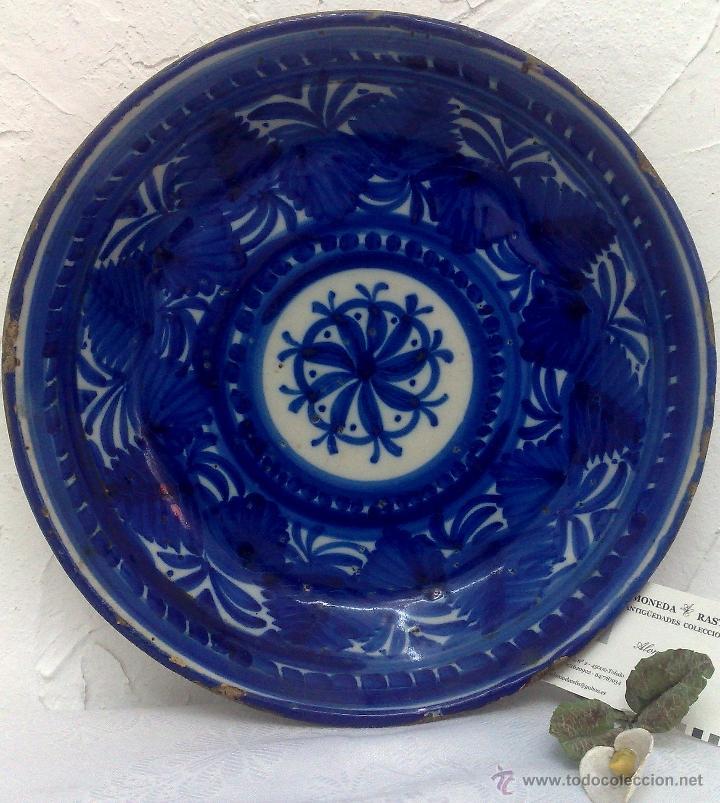 SIGLO XIX, PLATO CERÁMICA DE MANISES FIRMADO. (Antigüedades - Porcelanas y Cerámicas - Manises)