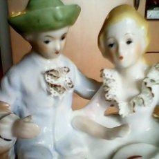 Antigüedades: PRECIOSA PAREJA DE ENAMORADOS EN PORCELANA FINA HECHA Y PINTADA A MANO,MADE ITALY .. Lote 39960316